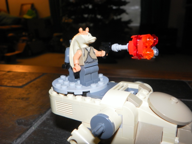 There used to be a lazer turret here. But after Big Man tore that off, Jar Jar makes a good substitute.